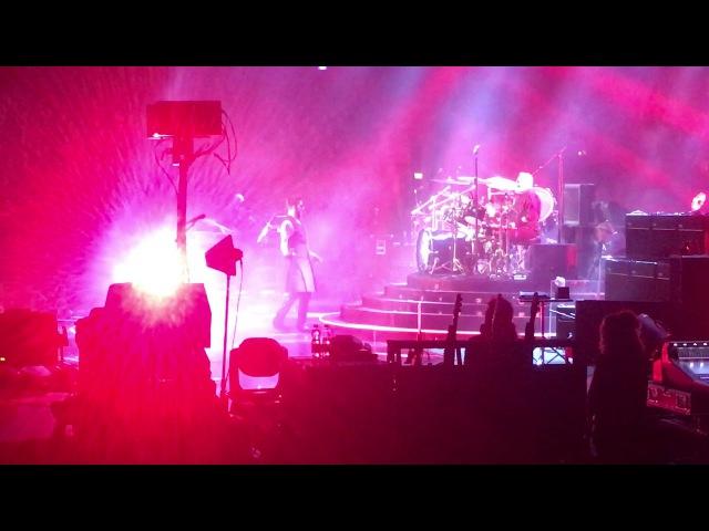 Queen Adam Lambert - WWRY/Hammer to fall - Hartwall Areena - Finland