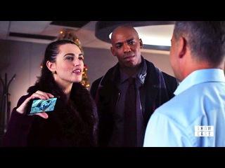 Supergirl 3x09 Lena /James visit Morgan and Lena kiss James at Catco Scene
