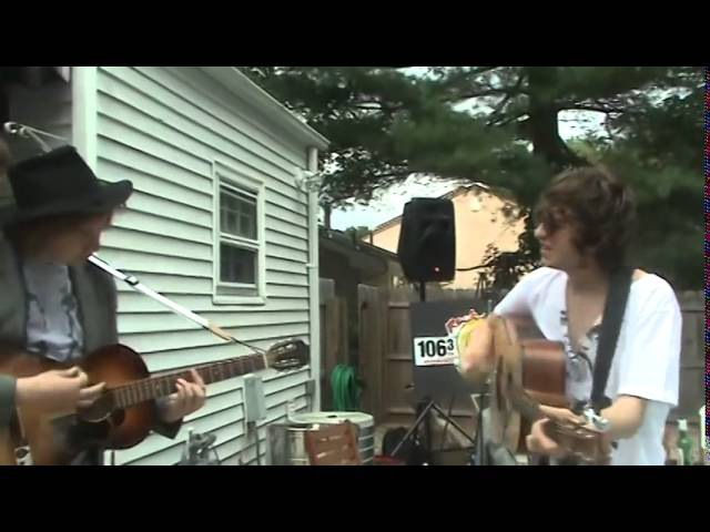 The Kooks - She Moves in her own way - Acoustic
