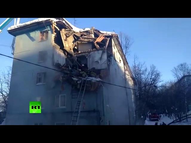Видеокадры с места взрыва газа в жилом доме в Мурманске