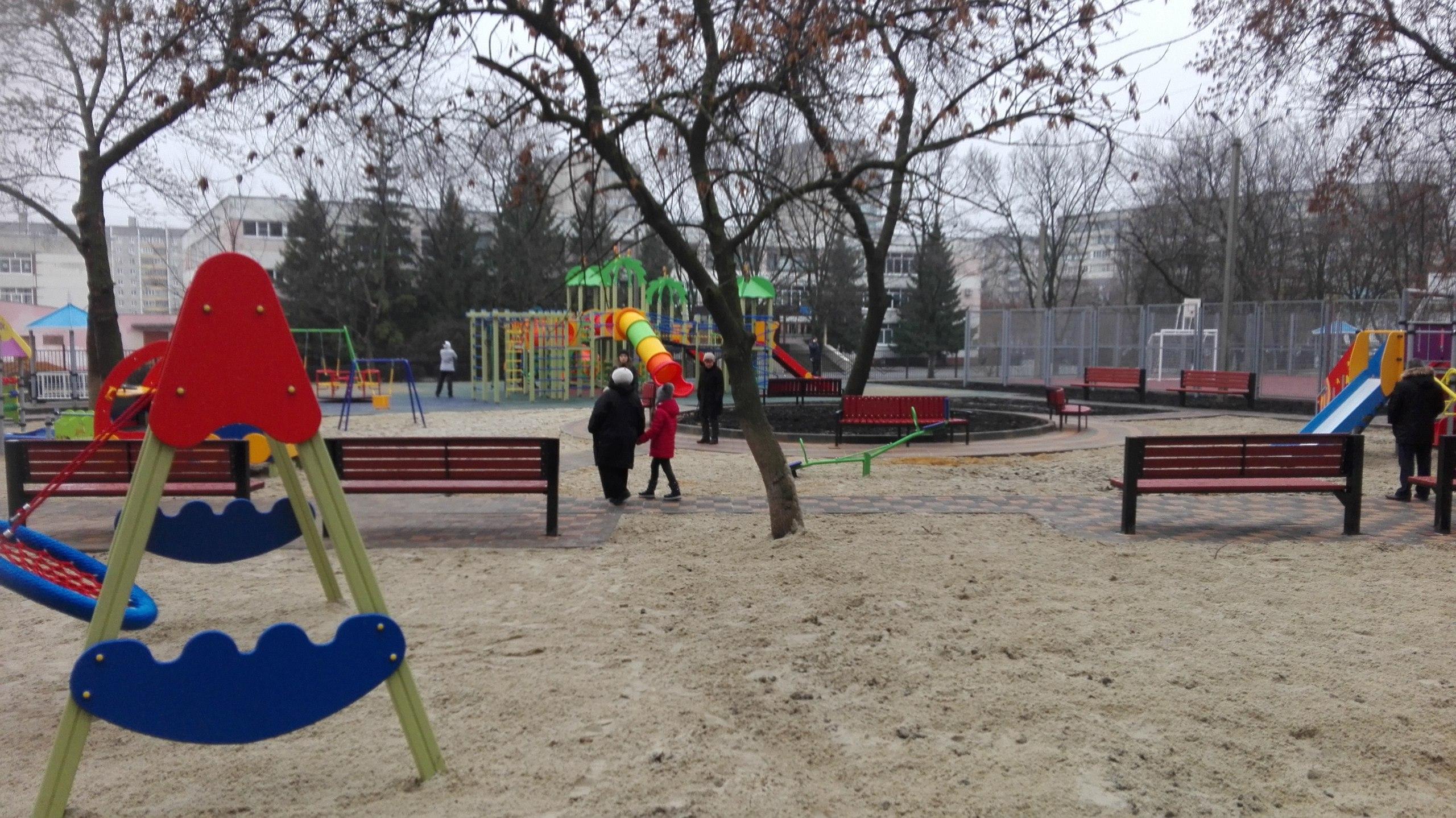 В благоустройство двора на П. Смородина вложили 12 млн рублей — Изображение 4