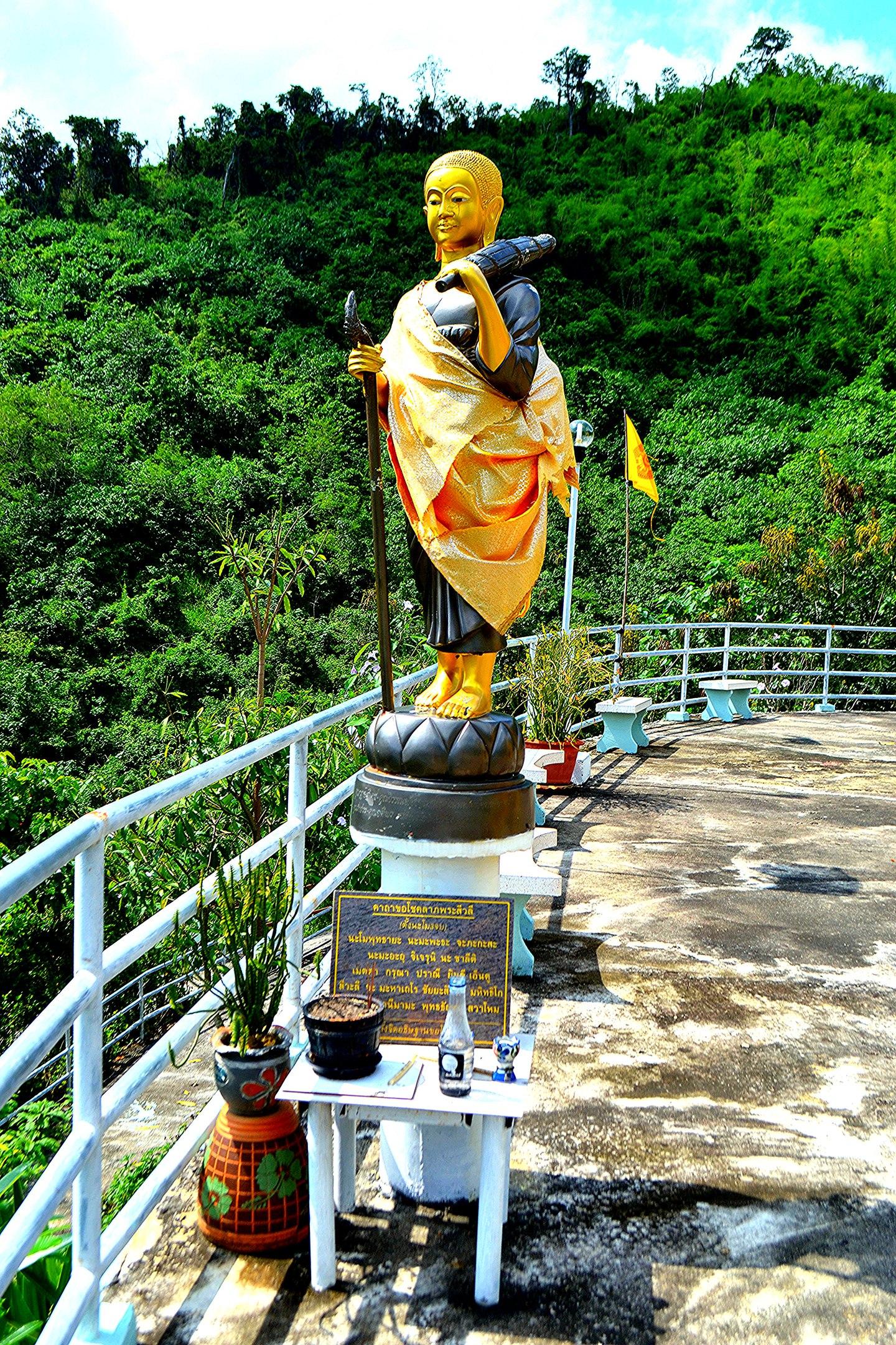 Елена Руденко (Валтея). Таиланд. Буддийский храм в горах. GdtBMKQ-cys