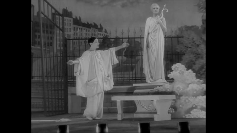 Жан-Луи Барро в спектакле Воздушные замки, или Возлюбленные луны