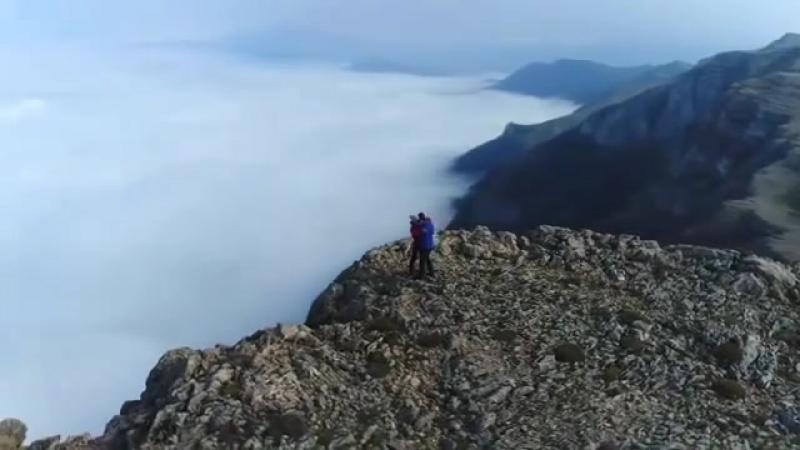 Незабываемый момент на вершине горы Доорфак, Иран