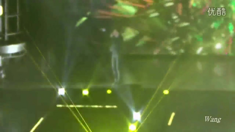 [FANCAM] 150718 The EXO'luXion in Beijing: D-1 @ EXO's Suho - Machine, Two Moon, Let Out the Beast, Run