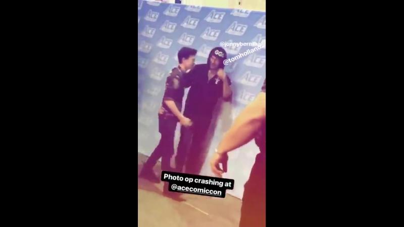 Том и Джон Бернтал на фестивале «Ace Comic Con» в Глендейле, Аризона (14 января 2018 года)