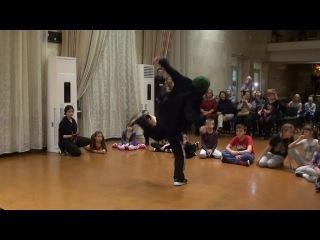G-UNIT DANCE FAMILY | GORILLA BATTLE 2017 | WELL DEE, судейский выход