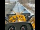 Аким Усть-Каменогорска убирает снег по выходным на грейдере