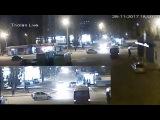 Трамвай сносит автомобиль Харьков 28.11.2017