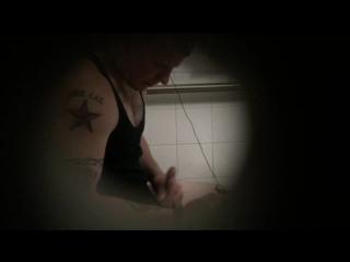 Скрытая видеокамера в мужском туалете смотреть