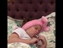 Тея капризничает перед сном))