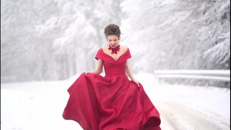 Новая коллекция вечерних платьев от Tarik Ediz