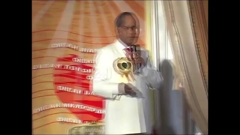 Сатиш Гупта (врач из Индии)