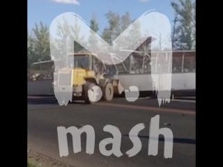 Строительный кран снес надземный переход на трассе М7 «Волга»