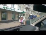 Сказ о том, как сотрудник «Почты России» разгружает фургон