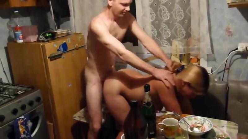 ебут жену друга по пьяне только