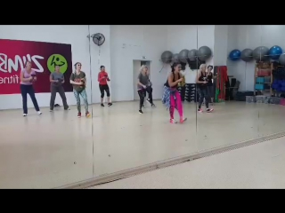 Zumba toning con to lo cacabele