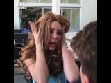 Когда девушка пытается понравиться парню