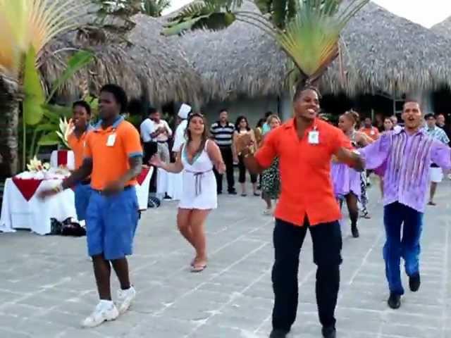 Доминикана и ее мужчины... Бляяяяя...ха как они танцуют