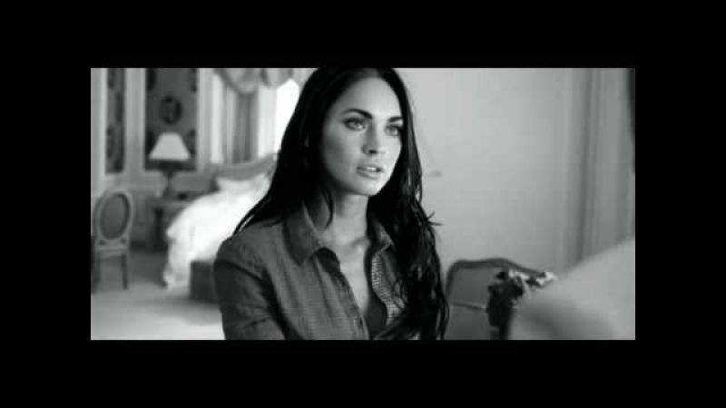 Чаевые от Megan Fox в черном и белом