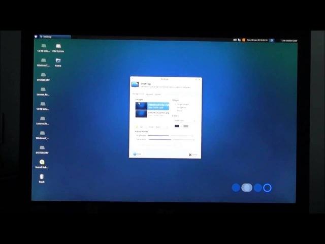 Mum tries out Xubuntu 12.10 (2012)