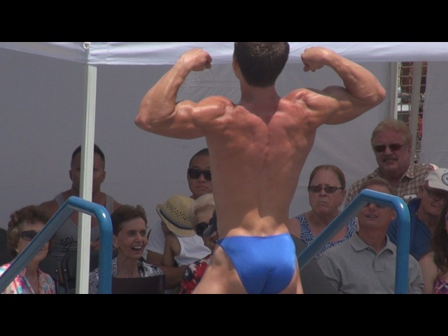 Teen Bodybuilder Daniel Winder at Muscle Beach on July 4, 2013