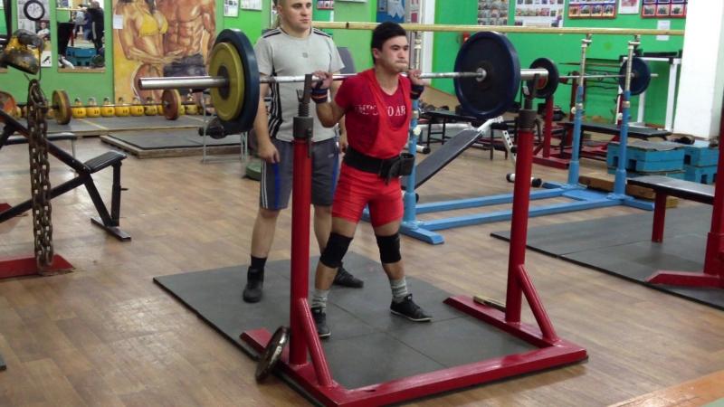 Алимгулов Линар присед 80 кг по 3 р. 5 п. при весе 48 кг. Атлет 2000 г. р