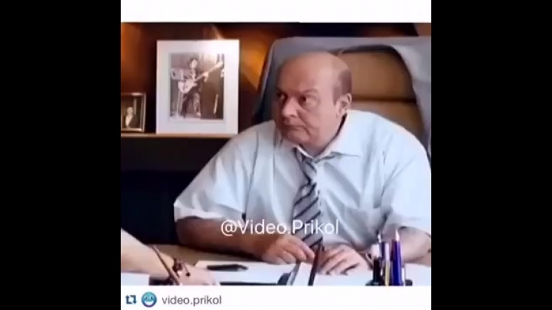 Секретарем и диван.mp4