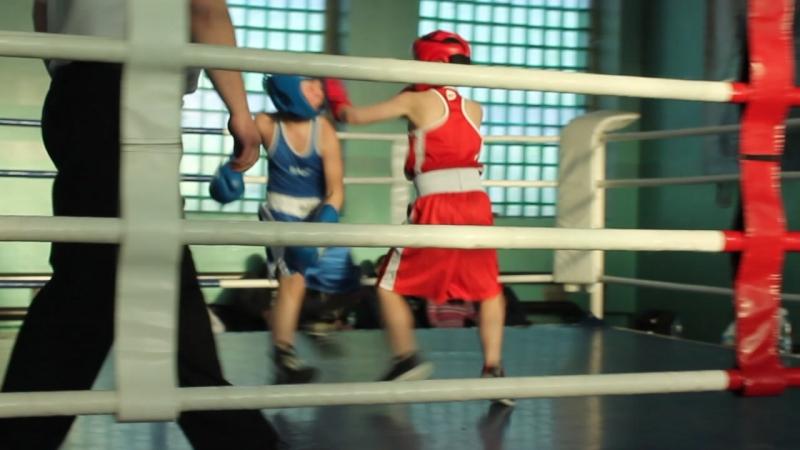 Первый бой на ринге Пахана