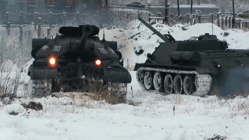 Т-34, ИС-3 и Су-100 — взвод исторической бронетехники Северного флота ВМФ России
