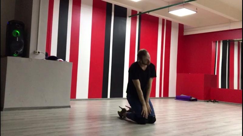 Уроки Стрип-пластики в школе танцев Dance Life. Хореограф Максим Шилкин