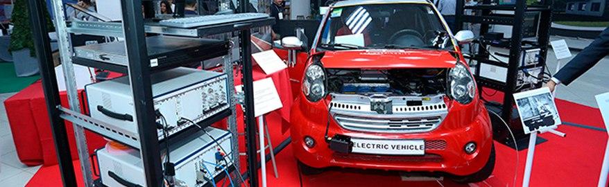 Армянский беспилотный электромобиль показали на технологической выставке