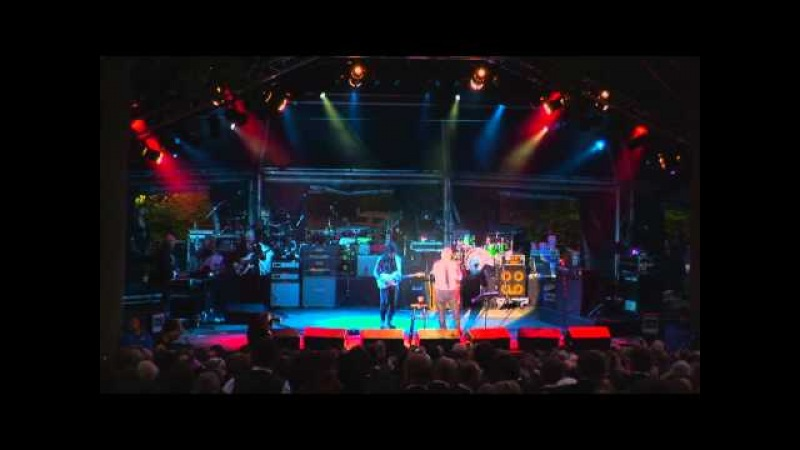 Roger Taylor and Jeff Beck - Say It's Not True (Live)