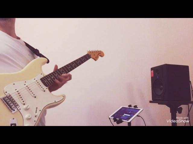 Free Improvisation On Guitar Amplitude Recorder
