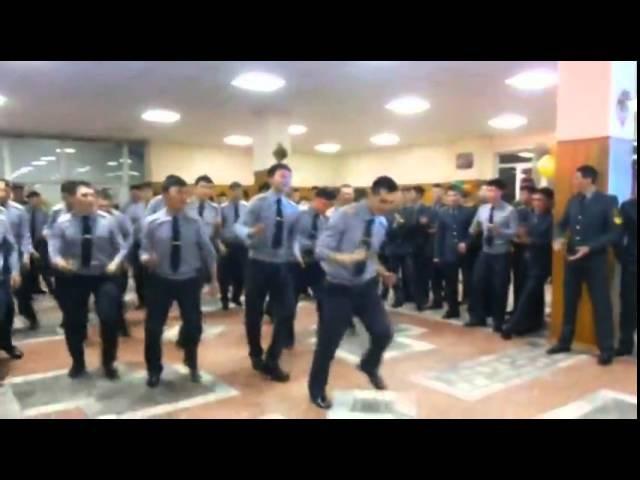 Казахские курсанты зажигают