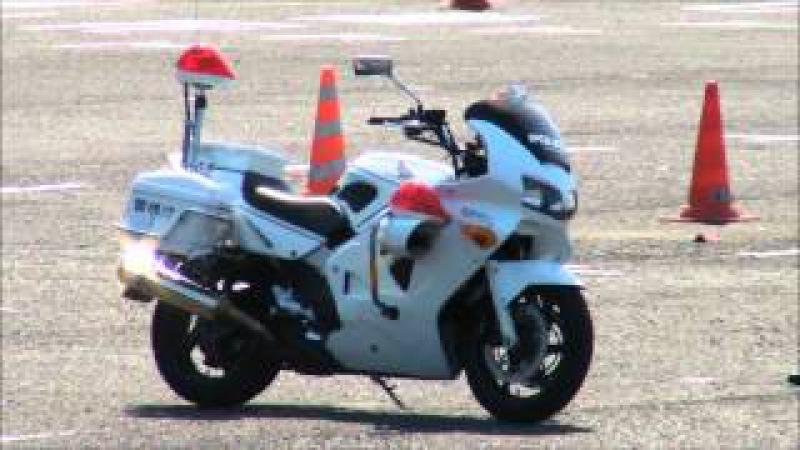 Entrainement Motard Police Japonaise