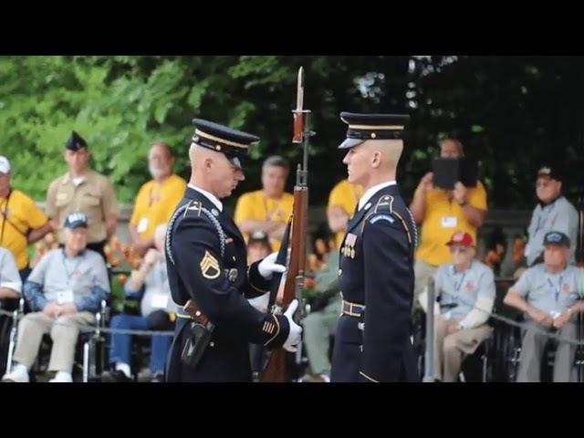 Осмотр командиром оружия подчинённого (воинский ритуал)