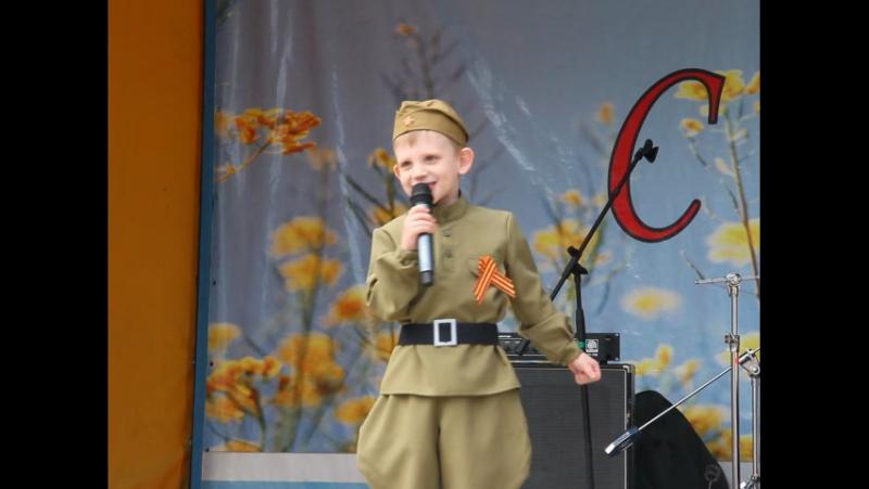 Бубнов Максим «Первым делом самолёты», педагог: Андреева Татьяна