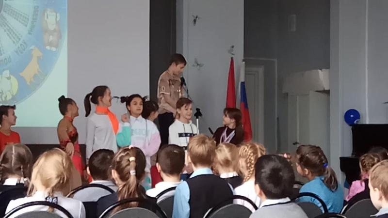 школьное выступление дебют 5 б класса