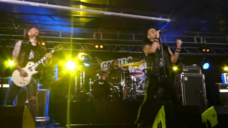 Crazy Lixx - Walk The Wire Blame It On Love (Live Calella Rock Fest 2017)