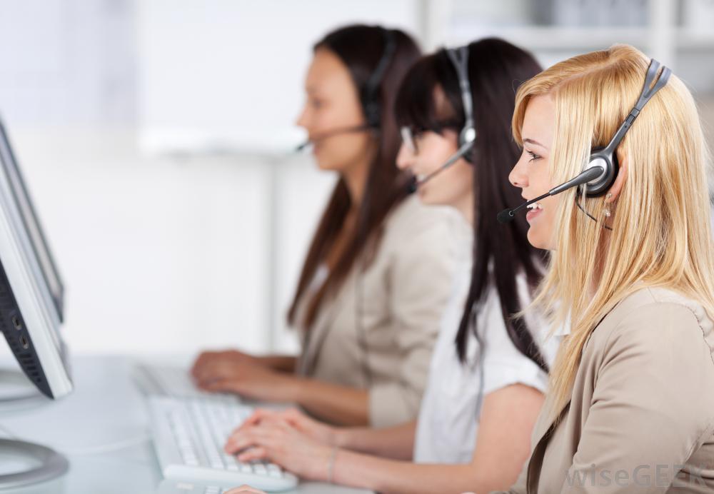 Оператор АТС направляет вызовы для корпорации или организации.