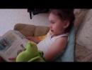 Вика читает сказки дракону