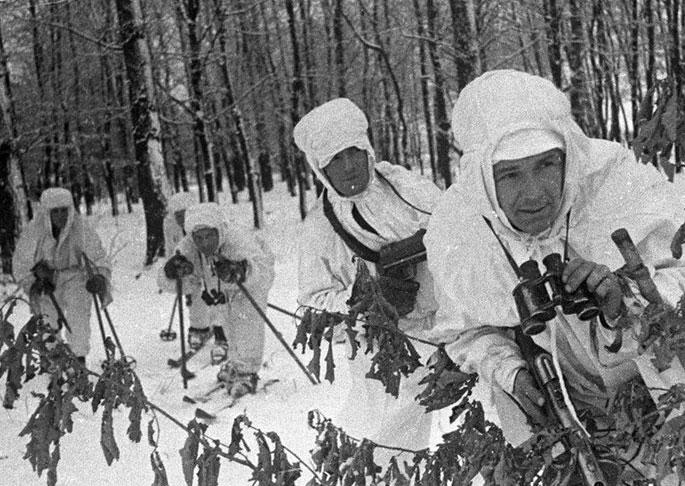 Лыжники на боевом рубеже