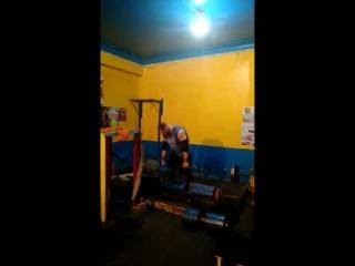 Михаил Ходяков (Украина), жимовая эстафета бревно - 105 кг на 2 раза коромысло - 120 кг бревно - 130 кг на 4 раза 💪