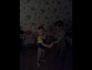 Лера и Максим танцуют ✌👍