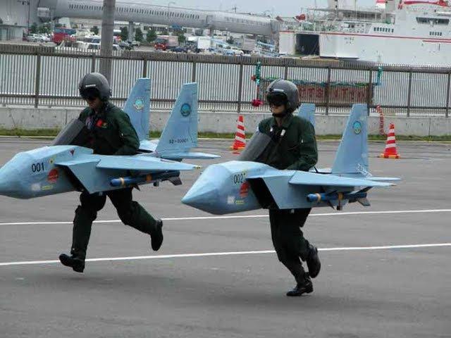 Мурзилки Int. - пародия «Первым делом самолеты» (из к/ф Небесный тихоход)