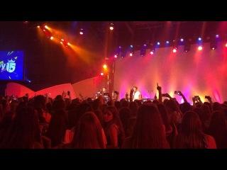 "MYA on Instagram: ""Momento acustico en el show de anoche junto a @enjoyquince"""