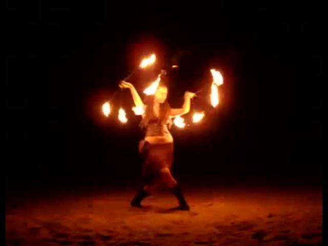 A girl fire dance on Psy at UV bar Anjuna Goa · coub, коуб