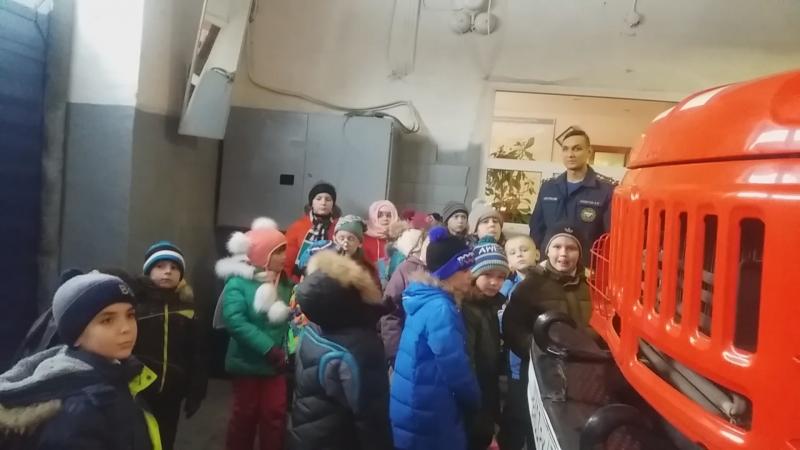 Экскурсия в 86 ПСЧ г.Тосно для учеников первого класса МБОУ СОШ №1 г. Тосно.