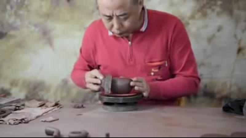 Yixing .Полностью ручной исинский чайник в исполнении Шэня Хэпина (沈和平 ,Chén hépíng ).